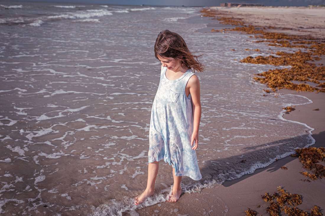 beach front family lifestyle portrait photography
